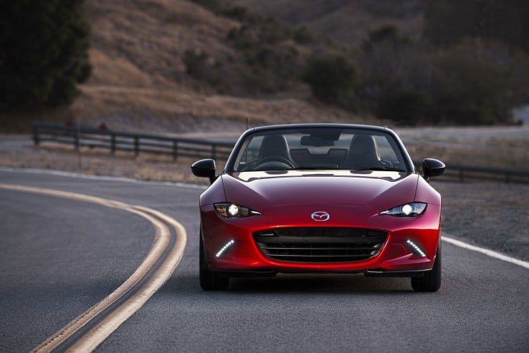 vue avant Mazda MX-5 ND 2015 decapote