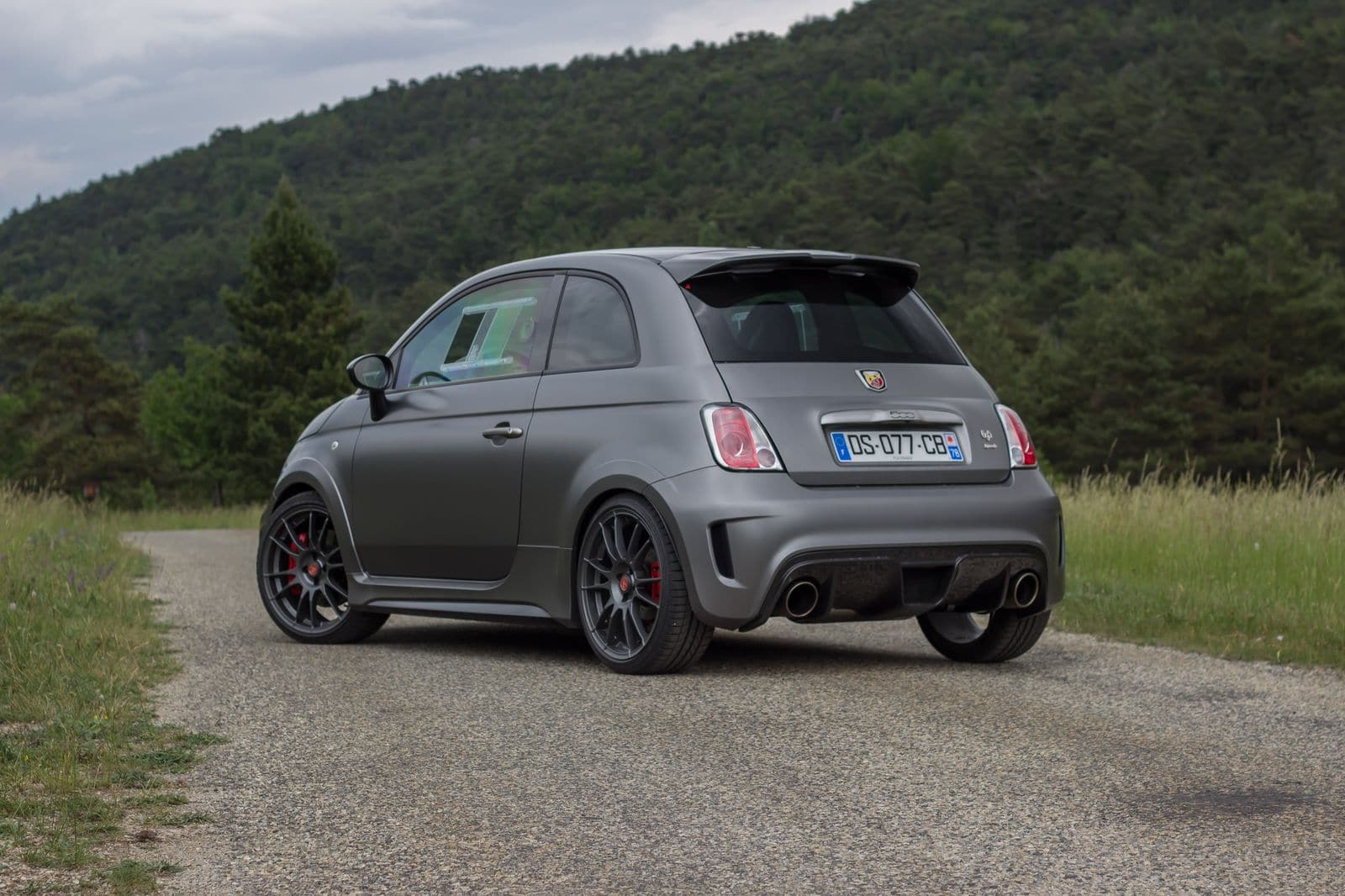 essai abarth 695 biposto 595 competizione machines sensations. Black Bedroom Furniture Sets. Home Design Ideas