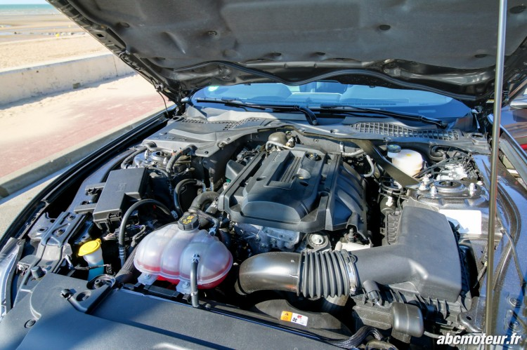 Ford Mustang Convertible EcoBoost compartiment moteur