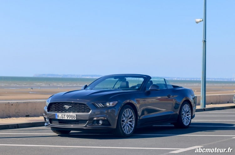 Ford Mustang Convertible EcoBoost exterieur-2