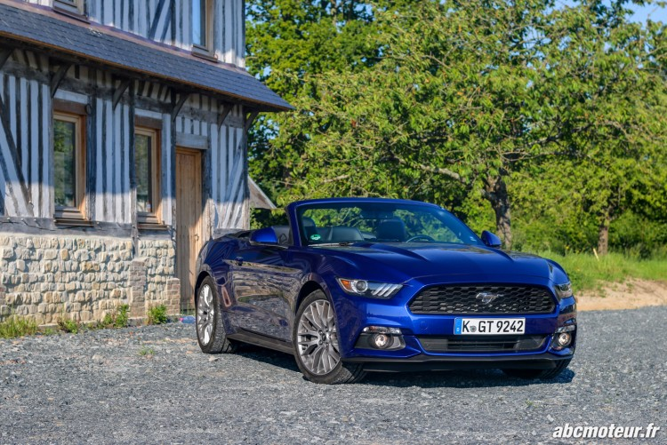 Ford Mustang Convertible EcoBoost exterieur-8