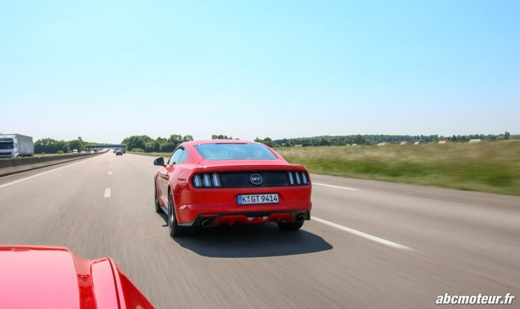 Ford Mustang Fastback GT dynamique-7