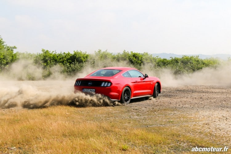 Ford Mustang Fastback GT dynamique