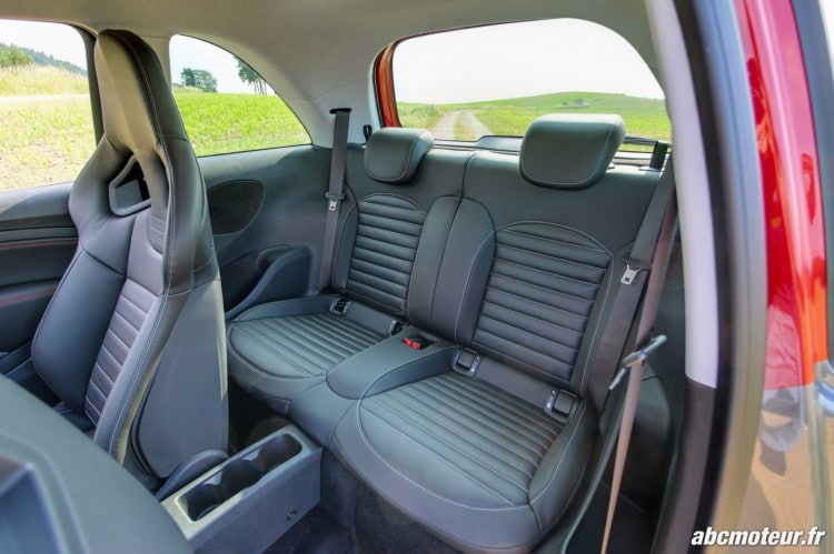 places arriere Opel Adam S 150 ch