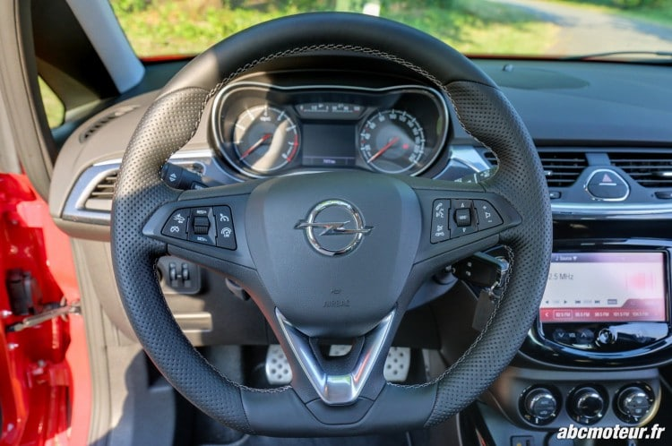 volant Opel Corsa OPC 207 ch Pack Performance
