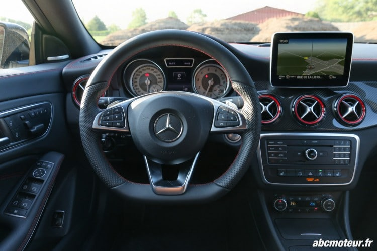 Mercedes CLA 250 Shooting Brake 4Matic Version Sport volant