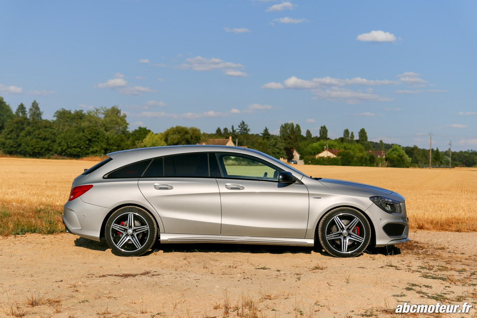 essai mercedes cla 250 shooting brake 4matic petite amg. Black Bedroom Furniture Sets. Home Design Ideas