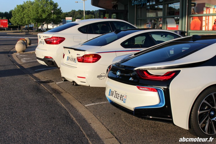 BMW i8 M4 Safety Car X6 M50d aire autoroute