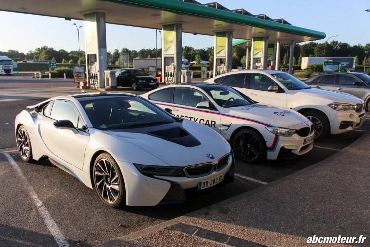 BMW i8 M4 Safety Car X6 M50d station service