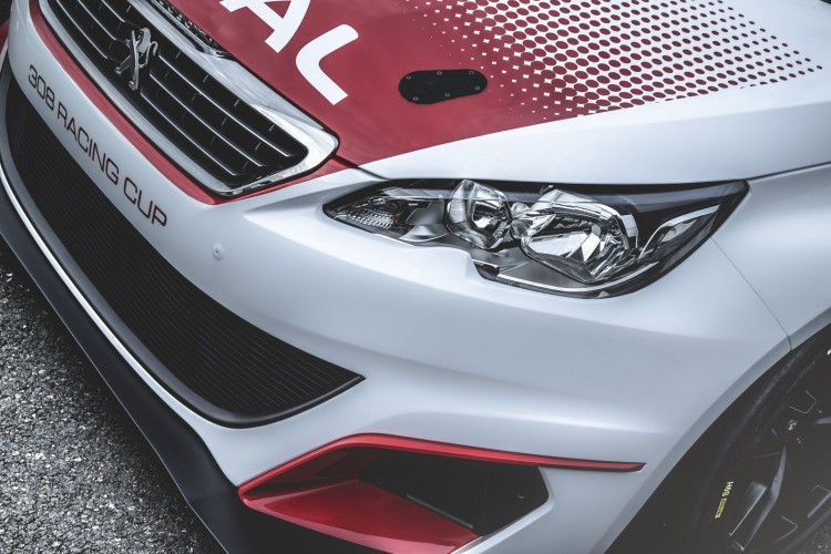 Peugeot 308 Racing Cup phare