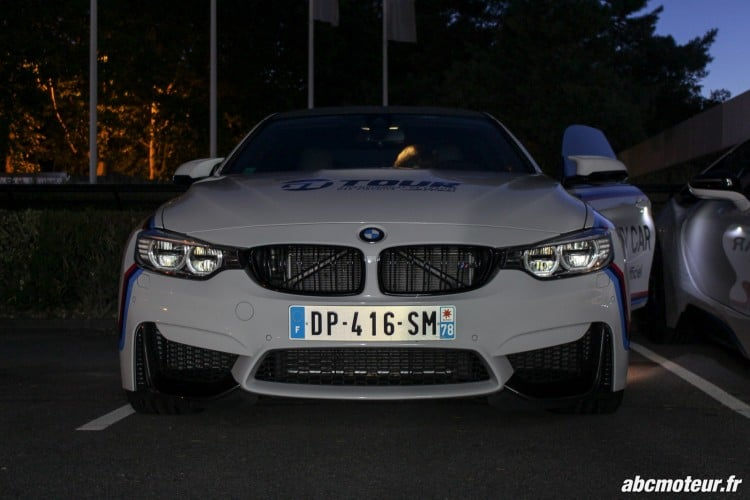 avant BMW M4 Safety Car nuit