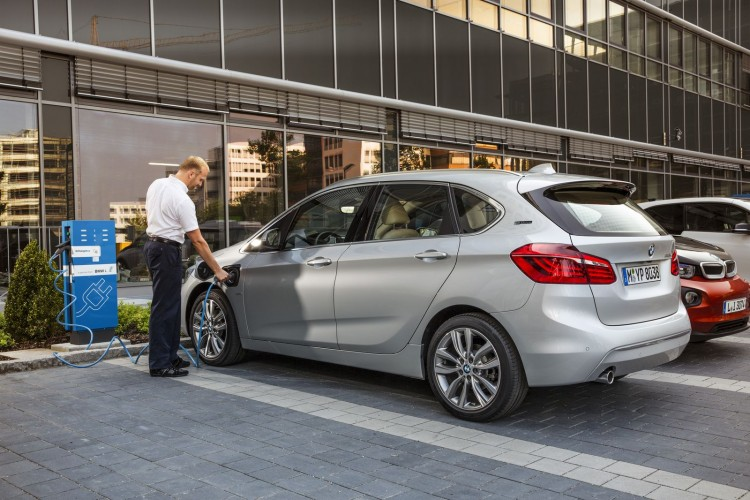 BMW 225xe Active Tourer - 3