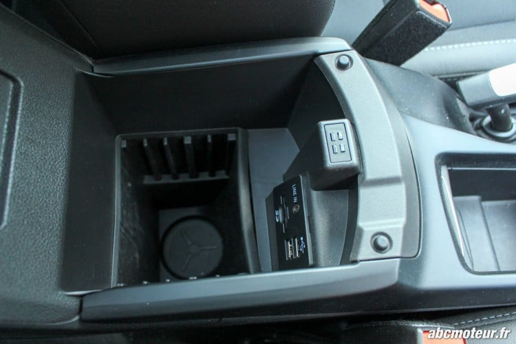 Ford C-Max II restyle rangement accoudoir
