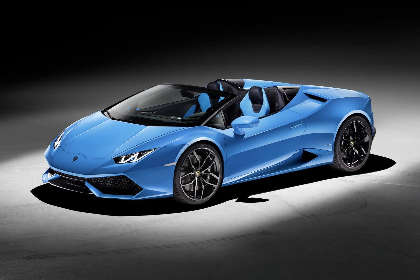 lamborghini huracan spyder un toit en toile et quelques am liorations. Black Bedroom Furniture Sets. Home Design Ideas