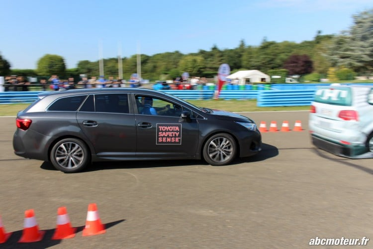 Avensis Sports Tourer Toyota Innove circuits Ouest Parisien-3