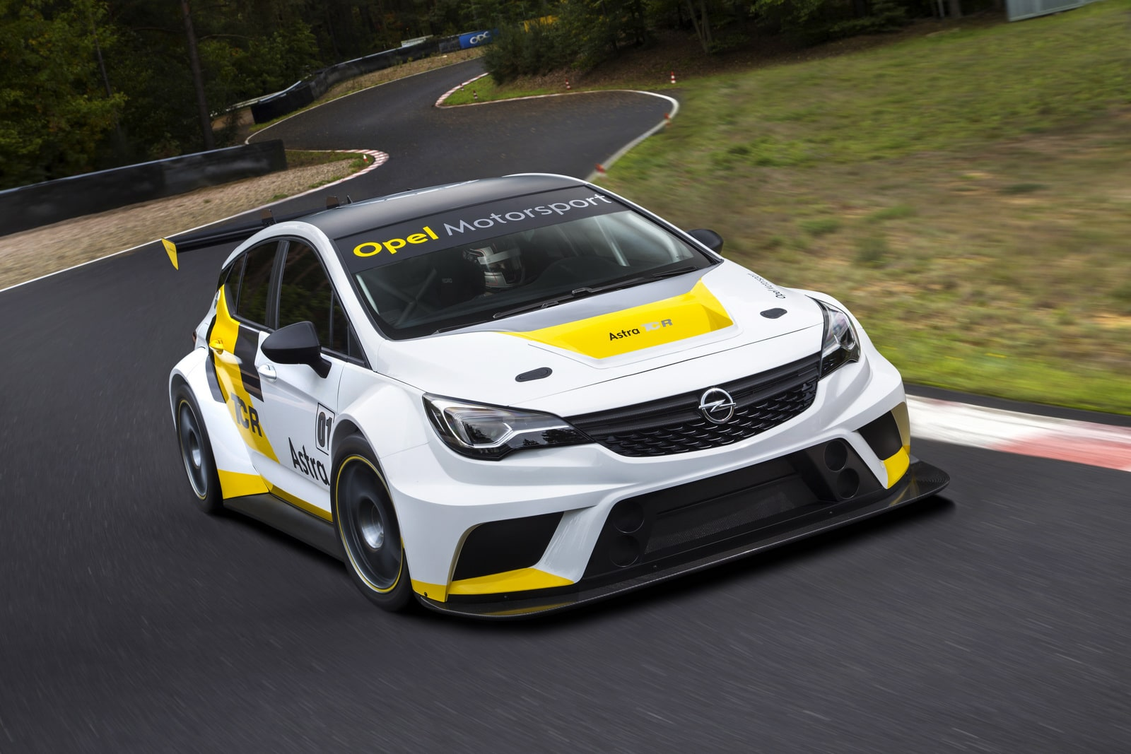 L'Opel Astra enclenche le mode course