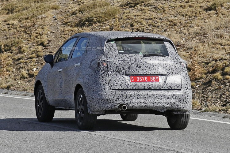 Renault Grand Captur spyshot-3