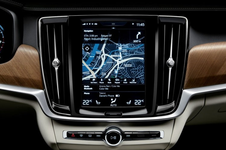 Interior centre display and air blades Volvo S90