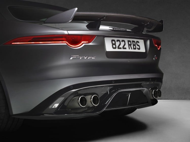 Jaguar F-Type SVR - 1