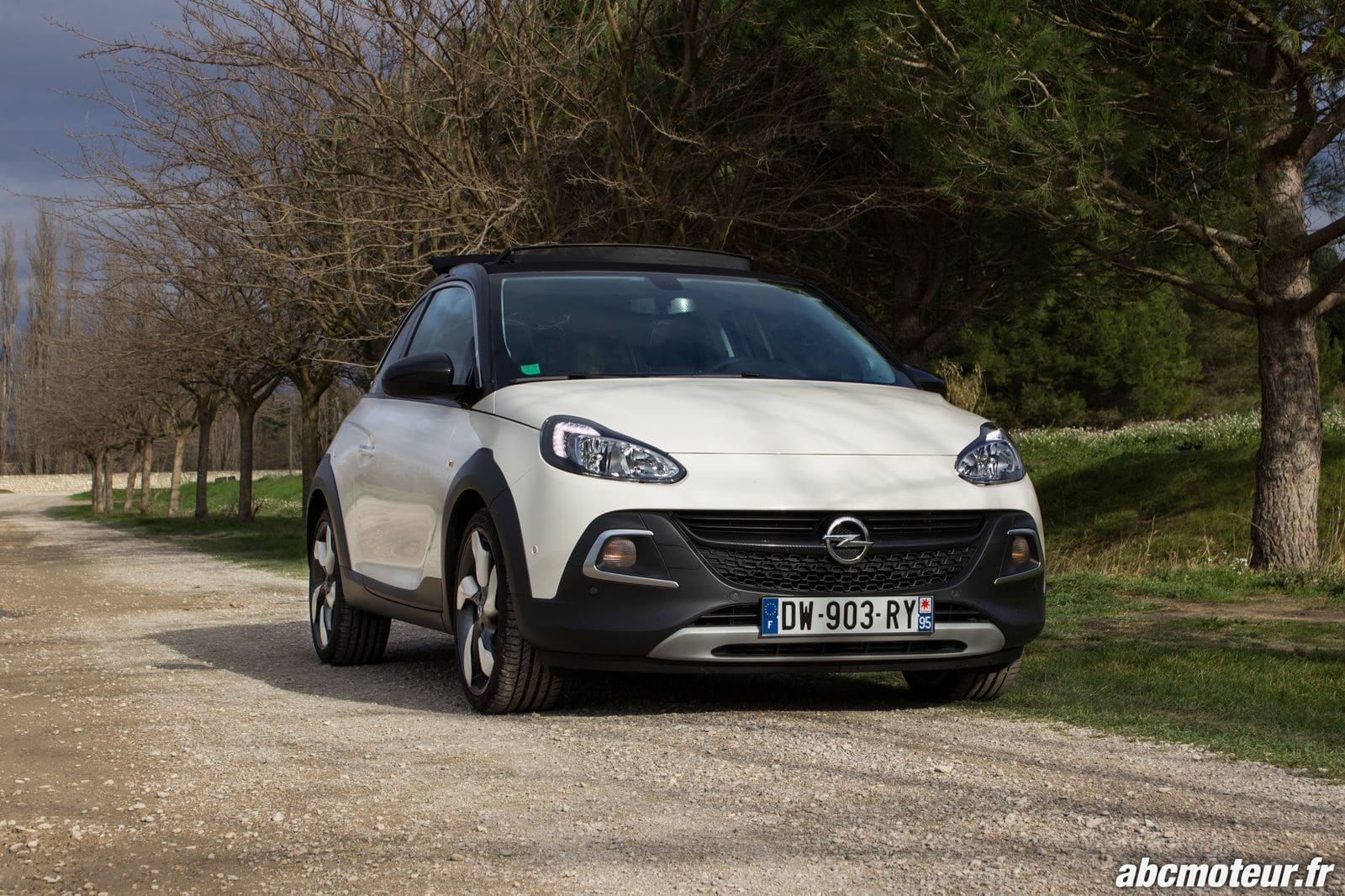 Essai Adam Rocks : le micro-crossover pétillant made in Opel