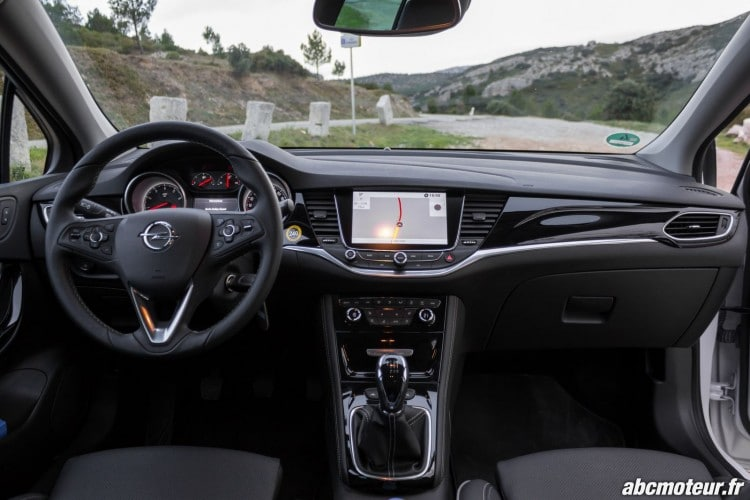 Opel Astra Interieur - 4