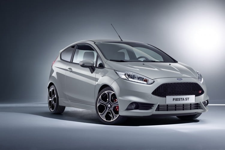 Ford at Geneva Unveils New 200 PS Fiesta ST200; New Kuga SUV Deb