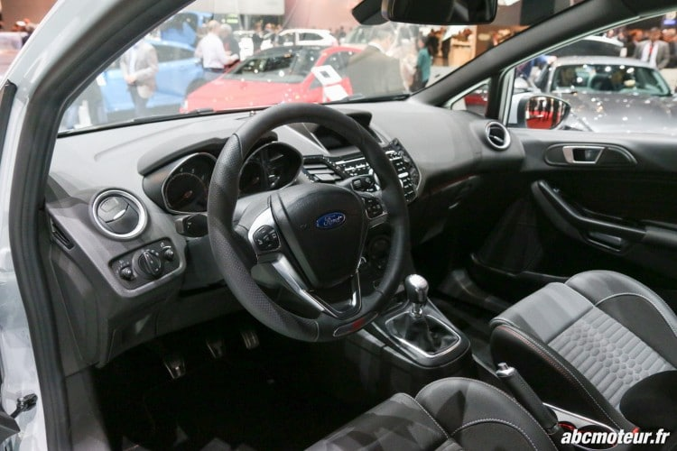 Ford Fiesta ST200 interieur Geneve 2016