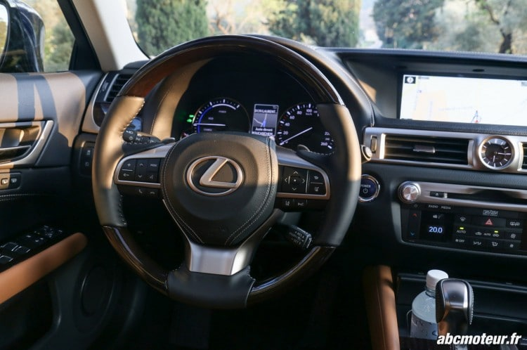 Lexus GS 450h Executive volant