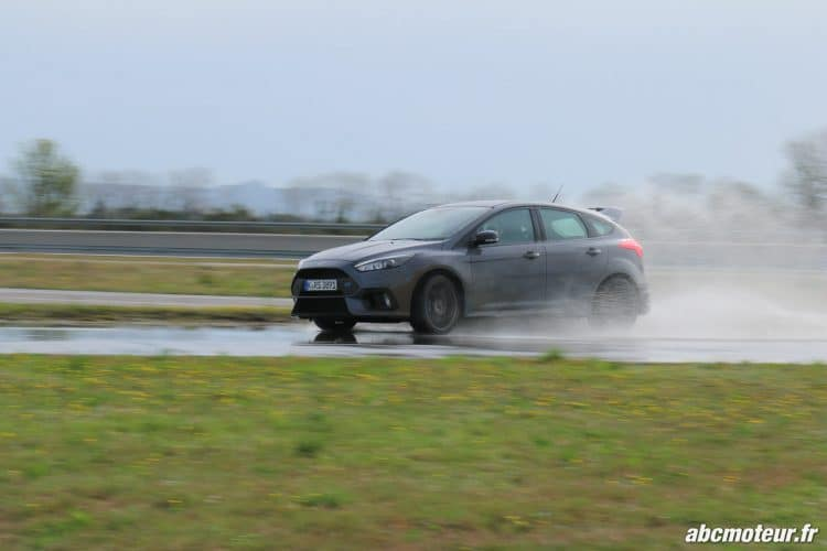Ford Focus RS 3 drift-4