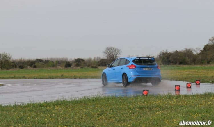 Ford Focus RS 3 drift-6