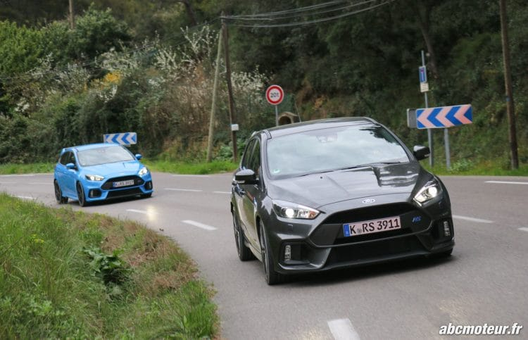 Ford Focus RS 3 dynamique-4
