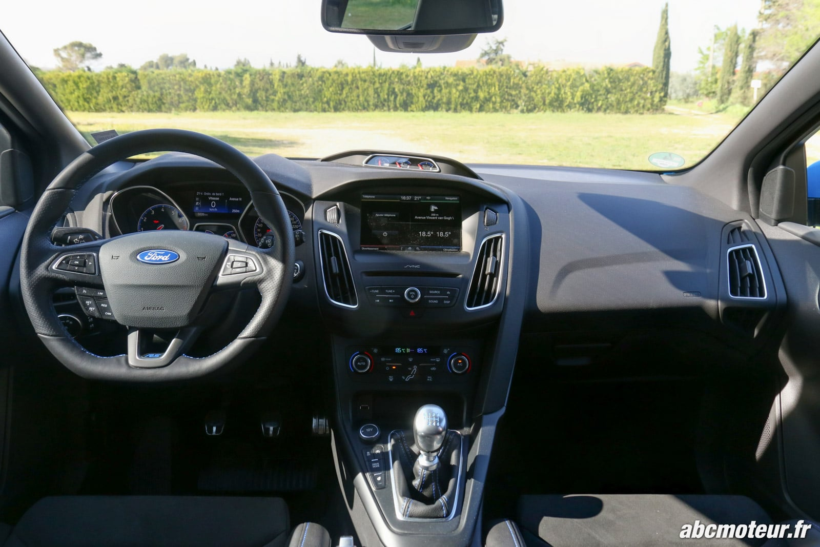Essai ford focus rs la plus fun des compactes sportives for Interieur ford focus
