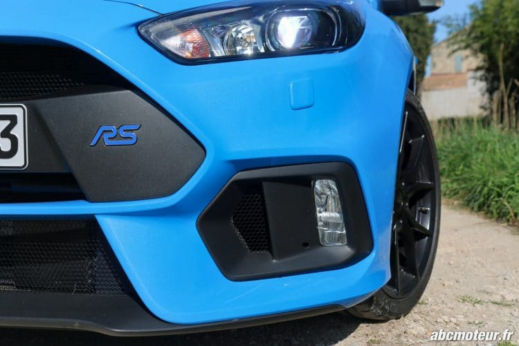 Ford Focus RS 3 lame optiques