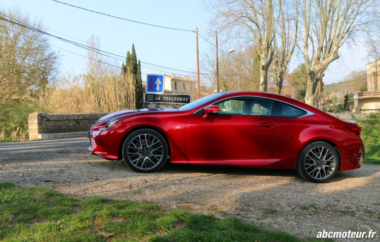 Lexus RC 200t F Sport Executive profil
